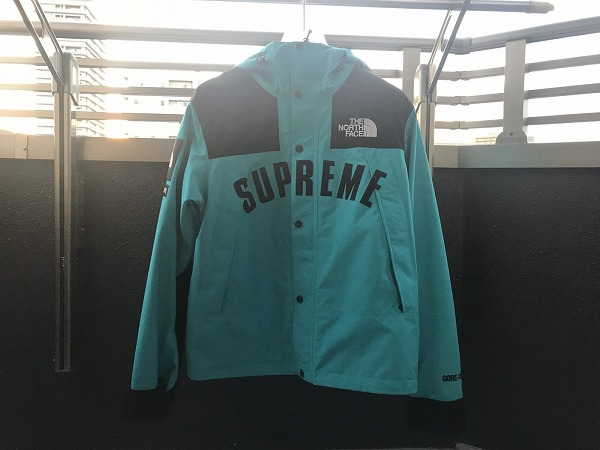 Supreme×The North Face「マウンテンパーカー」のサイズ感は?【Arc Logo Mountain Parka】